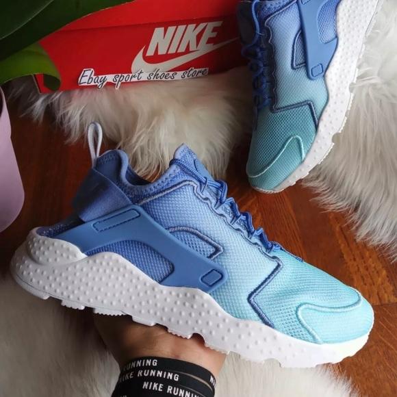 Women's Nike Air Huarache Run Ultra Size 7.5